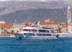 Barco de categoría estándar superior