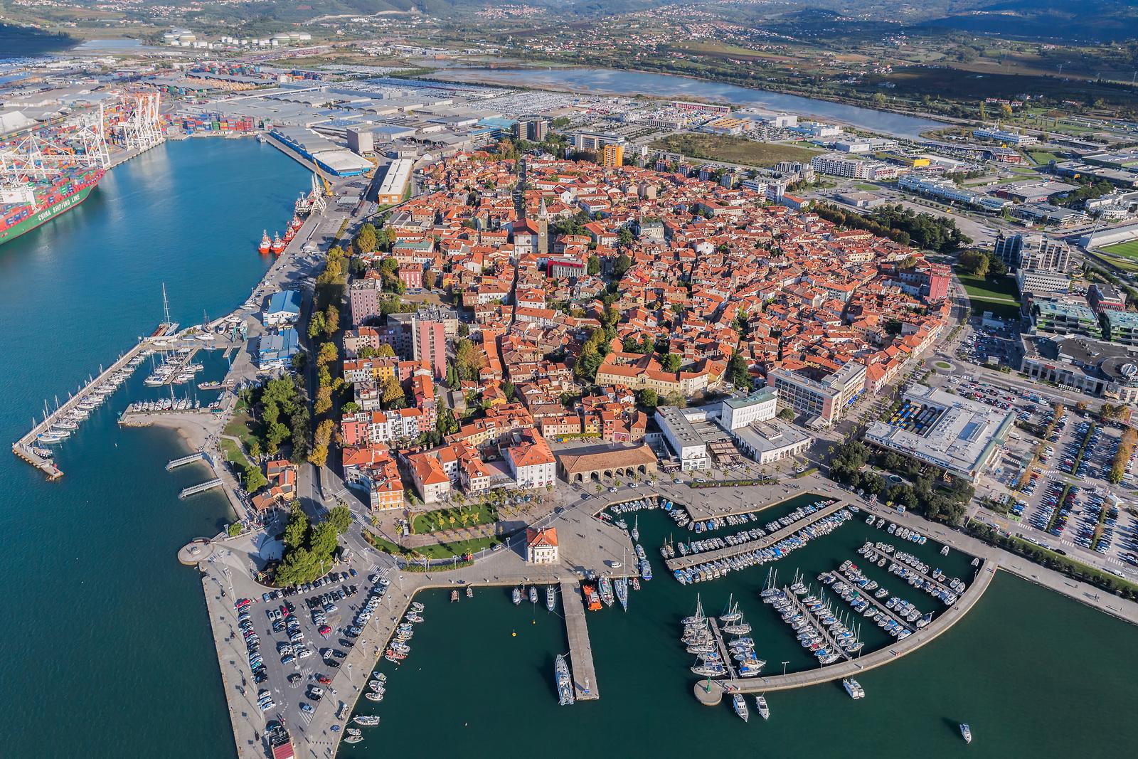 La costa de Eslovenia con Ekorna, -www.slovenia.info, Staro mestno jedro mesta Koper, Avtor Jaka Ivančič