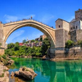 Puente-de-Mostar-Bosnia-viaje-con-agencia-Ekorna