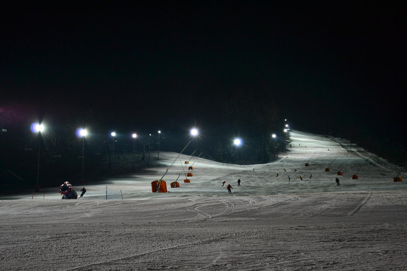 Esquí nocturno en Kranjska Gora; foto: Kranjska Gora Tourist Board; vir: www.slovenia.info