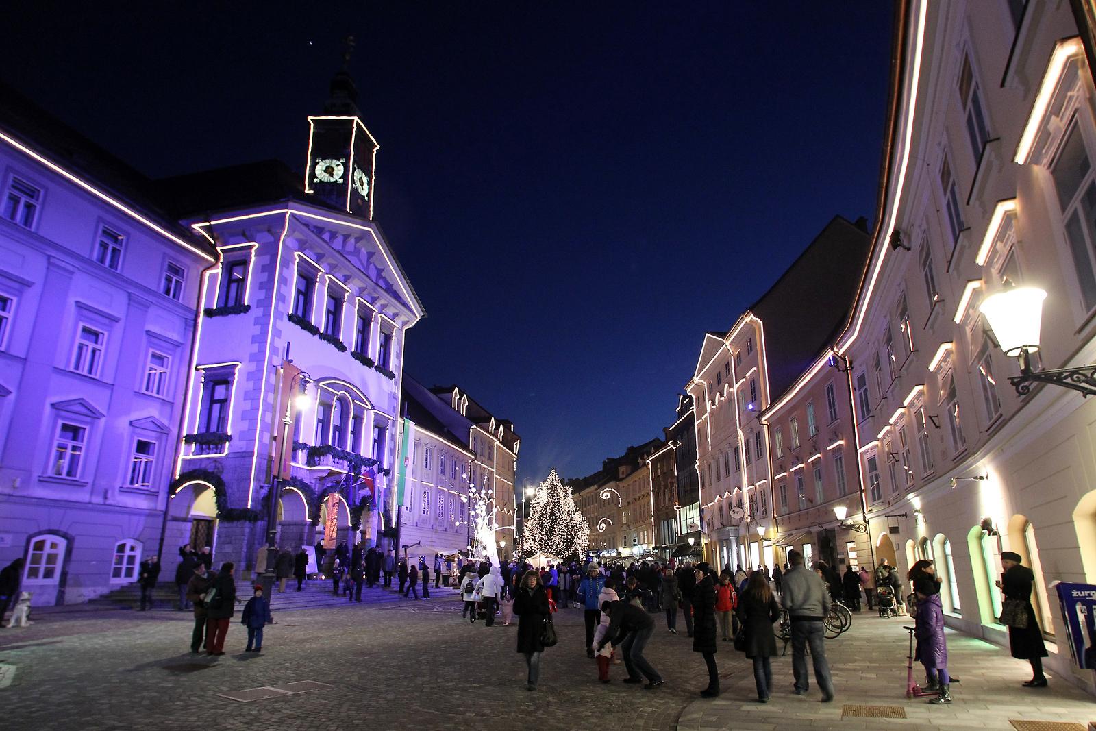 Ayuntamiento de Liubliana en Navidad, www.slovenia.info, Avtor: Ales Fevzer