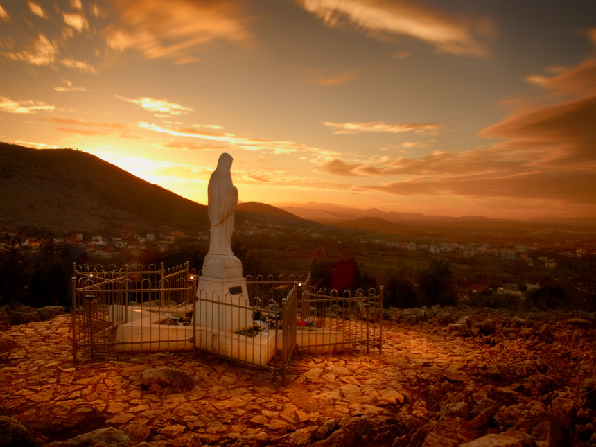 Virgen de Medjugorje, Colina de las Apariciones