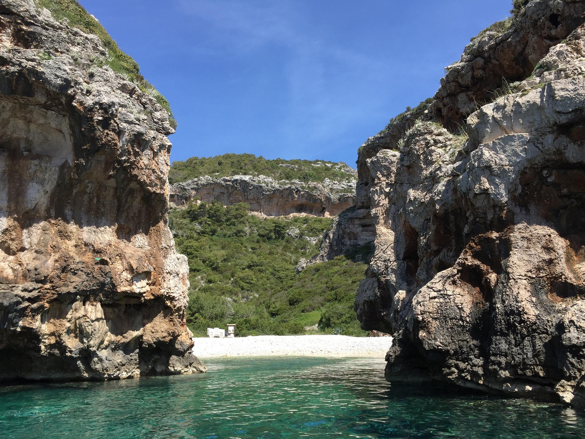 La mejor playa en Croacia - Stiniva