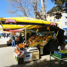 Feria-mercado-fruta-verdura-natural-Croacia