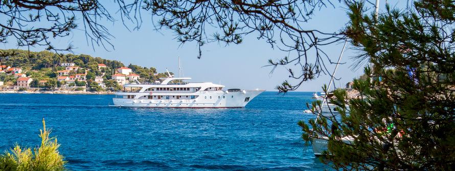 Islas de la bahía de Kvarner desde Opatija de lujo