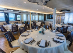 Barco de lujo: restaurante