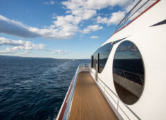 Barco de lujo: cubierta principal