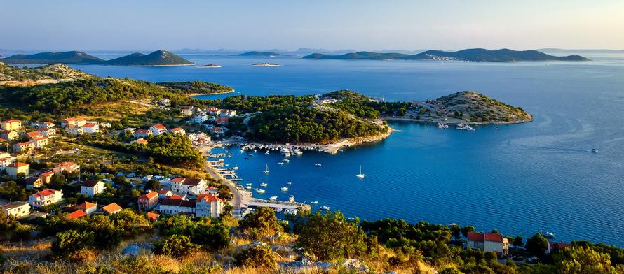 Visita Kornati durante el crucero por las islas de Croacia cerca de Split