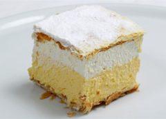Pastel de crema - dulce típico de Bled