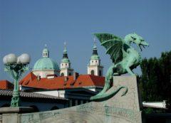 Los dragones siguen guardando la ciudad