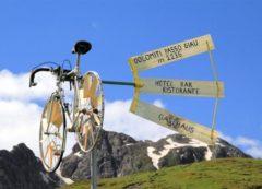 Paso Giau entre los más bonitos pasos en Dolomitas