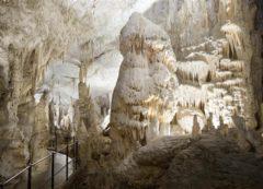 La Sala Blanca de la Cueva de Postojna