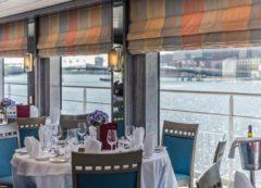 El restaurante en el crucero fluvial por el Danubio