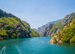 Lago Koman, Albania