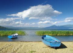 En la orilla del lago Ohrid, Macedonia del Norte
