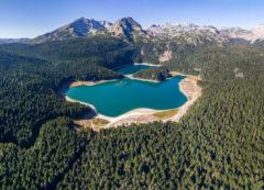 "Črno jezero (""el lago negro"") en PN Durmitor, Montenegro"