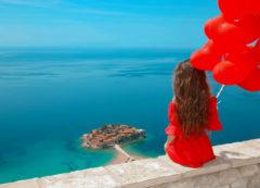 Las vistas sobre Sveti Stefan, Montenegro