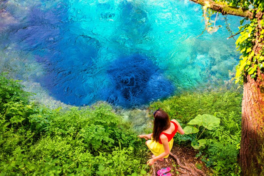 ¿Qué ver en Albania? El fenómeno natural Blue Eye