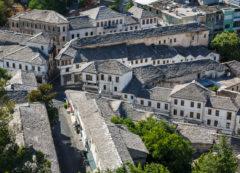Las calles de Gjirokastra, Albania