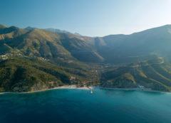 El paso Llogara sobre la Riviera albanesa