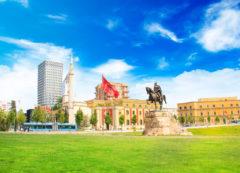 Plaza Skanderbeg - la plaza principal de Tirana, Albania