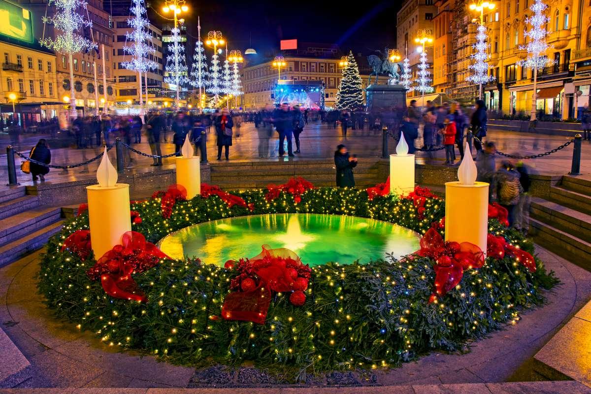 mercadillo navideño en las plazas de Zagreb