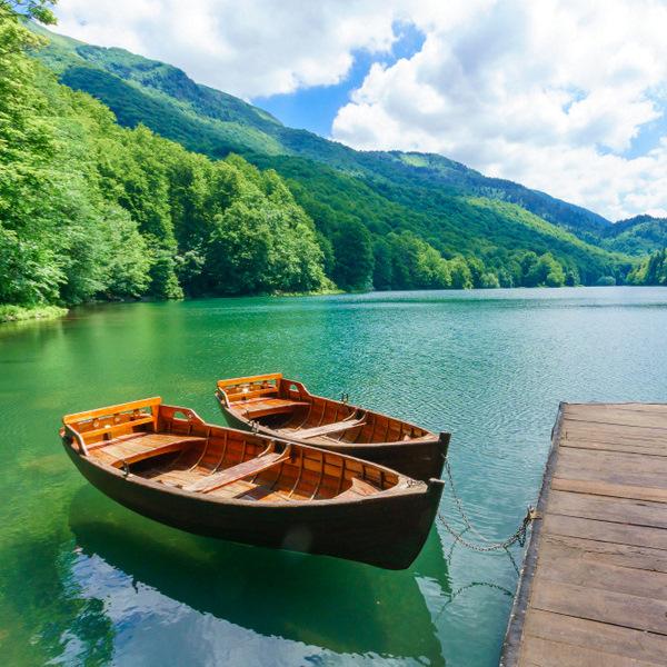 Lagos bonitos de los Balcanes-lago Biograd