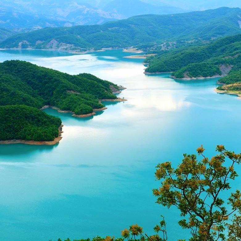 Lagos de los Balcanes-lago Bovilla
