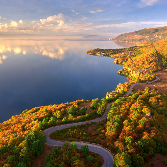 Lagos bonitos de los Balcanes-lago Ohrid