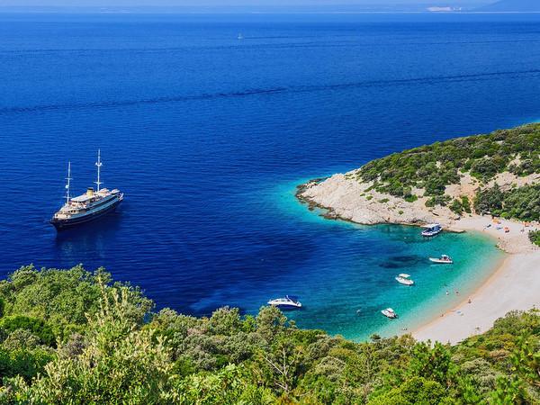 una de las mejores playas en Croacia-Lubenice