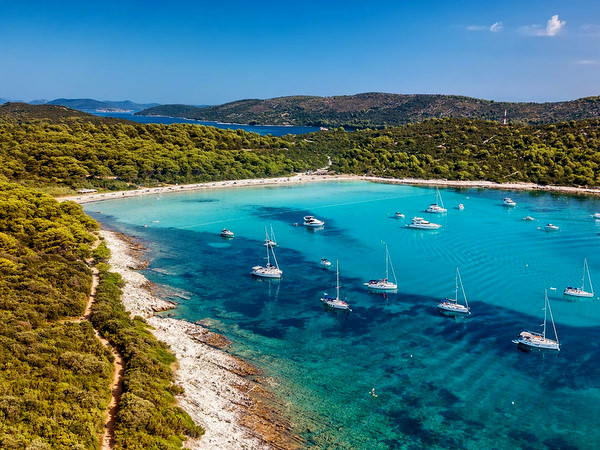 Playa-Sakarun-Croacia--Ekorna
