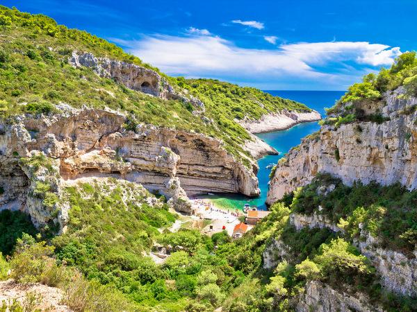 Stiniva-Croacia-una de las mejores playas de Croacia