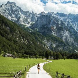 F010412-logar_valley_in_slovenia_with_andrea_by_michael_matti-photo-Viaje - sostenible